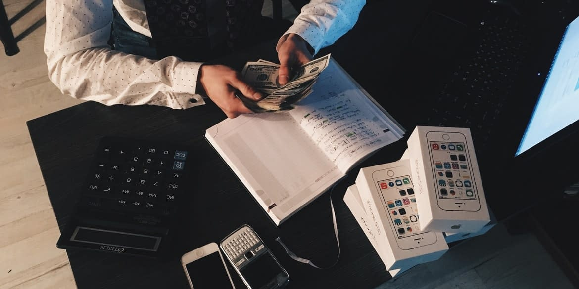 Money Laundringsystem as a financial analyst at consultadd